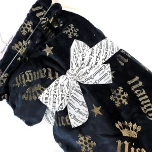 JUICY COUTURE Naughty & Nice Oversized Throw